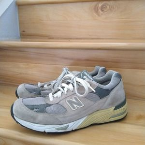 New balance grey 991 suade men's shoes size 11.5